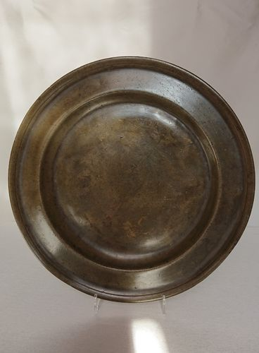 Pewter charger, Wobbenius Rienewerf, 18th century